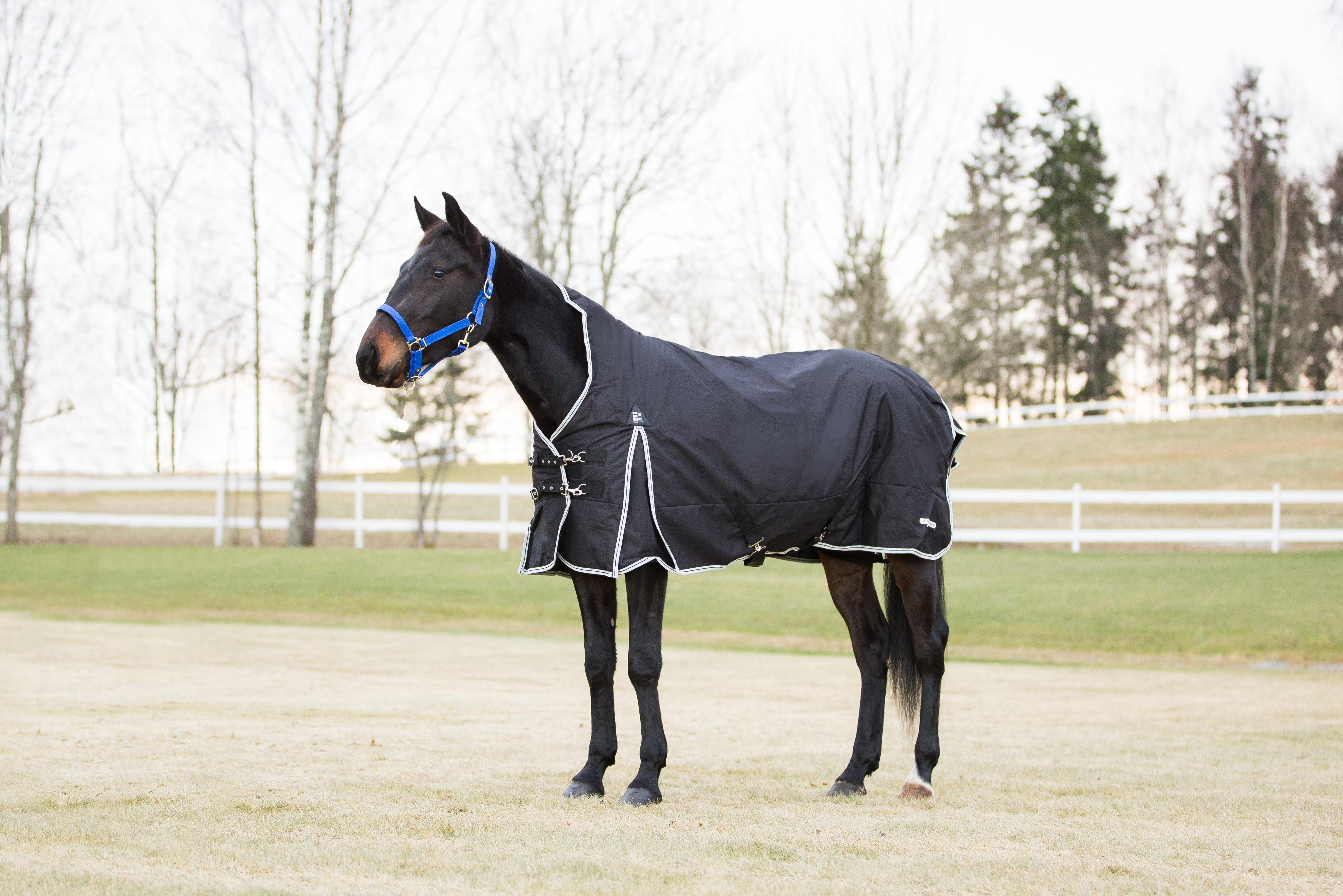 regntäcke med fleecefoder häst